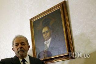 Бывшего президента Бразилии приговорили к 9,5 года тюрьмы за коррупцию и квартиру у моря