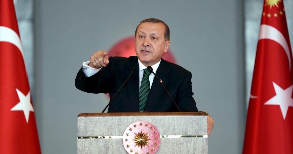 Эрдогана обвинили в постановке неудачного военного переворота в Турции