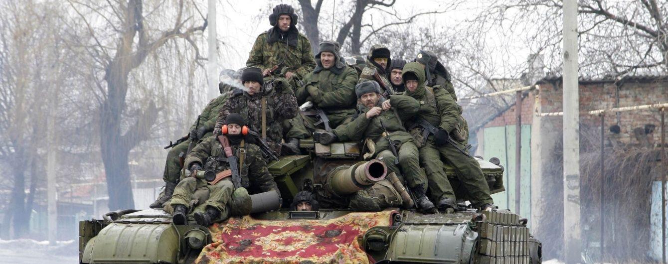 Ворог стягнув до Комінтернового САУ, танки, БТР і нових бойовиків