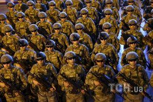 Туреччина відкрито формує ударну групу військ на кордоні з Сирією