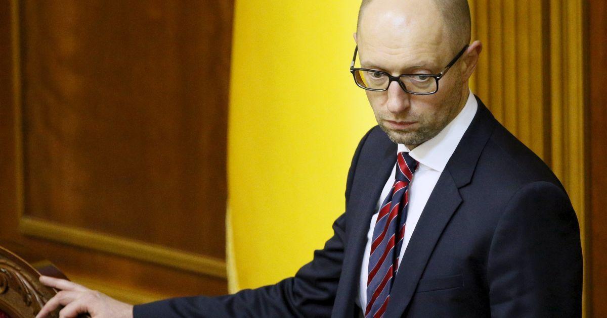 Прем'єр-міністр України Арсеній Яценюк бере участь у засіданні парламенту. Верховна Рада визнала роботу уряду незадовільною, проте не змогла відправити його у відставку. @ Reuters
