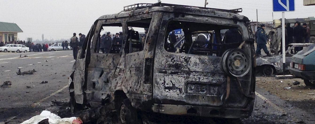 У Мережу потрапило відео підриву колони поліцейських авто в Дагестані