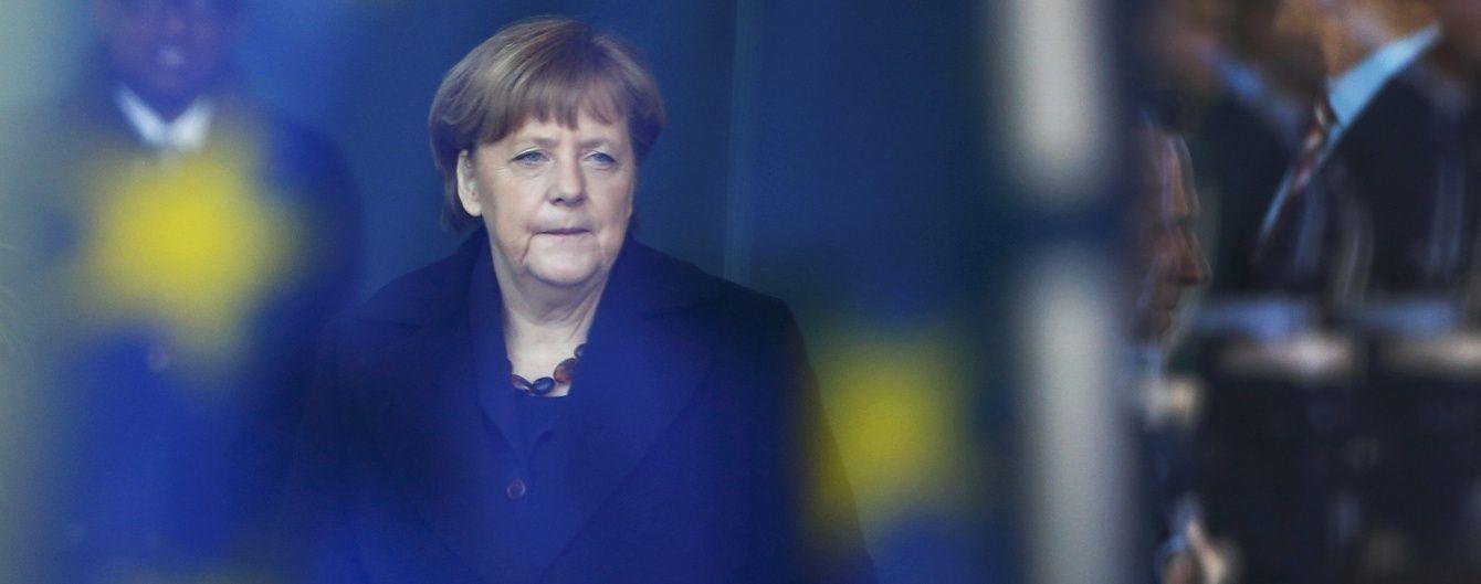 """Меркель запевнила, що Нідерланди владнають із ЄС співпрацю з Україною в рамках """"асоціації"""""""