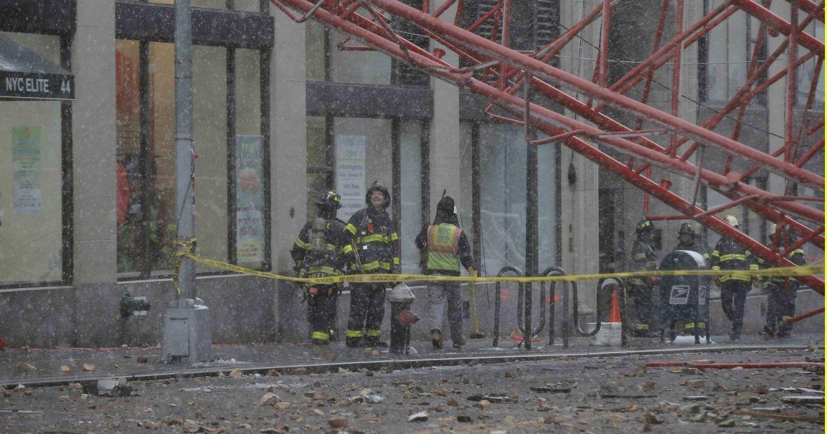 Постраждали 15 людей, одна особа загинула @ Reuters