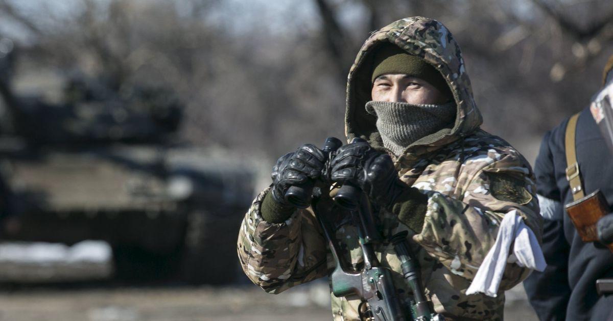 """Боевики 15 раз нарушали """"режим тишины"""". Дайджест АТО"""
