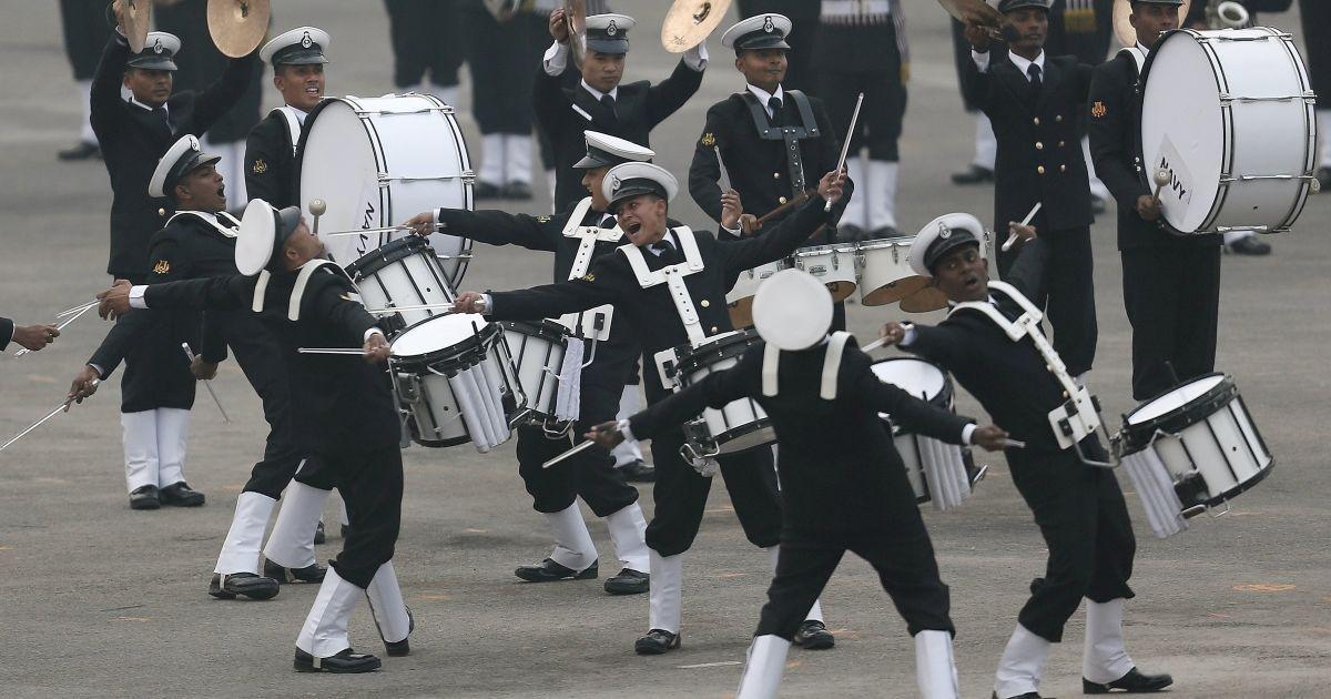 Члени індійської військової групи беруть участь у церемонії завершення святкувань Дня Республіки в Індії. @ Reuters