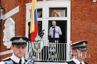 Ассанж вважає, що Еквадор хоче видати його США