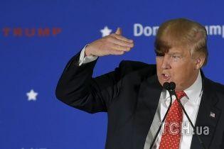 "Трампу ""досталось на орехи"" из-за ретвита цитаты Муссолини"