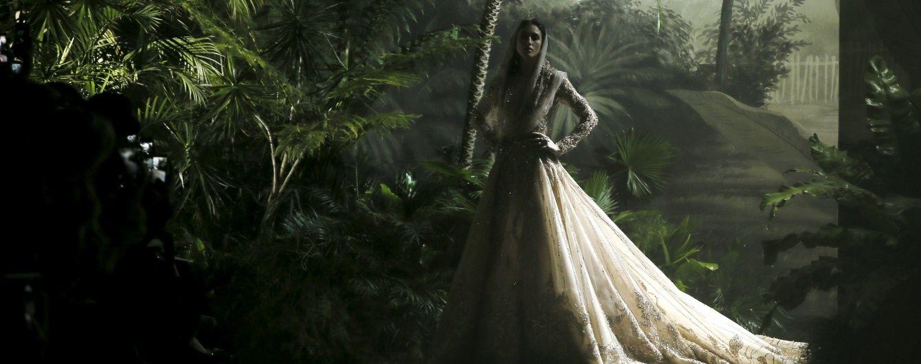 Показ Elie Saab на Неделе Haute Couture прошел в тропическом лесу