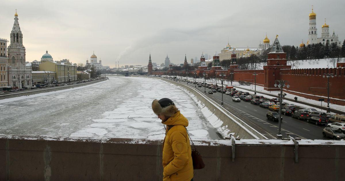 Международные рейтинговые агентства ухудшили прогнозы для экономики России – будет падать сильнее