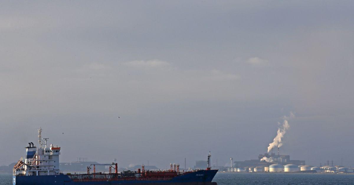 В Каспийском море загорелся российский танкер, есть погибшие - СМИ