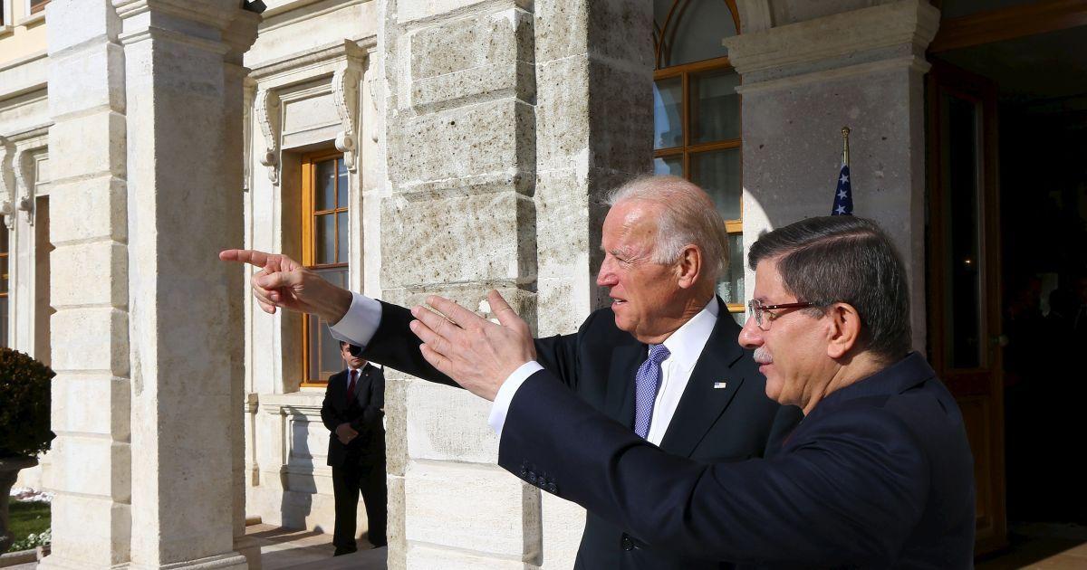Байден обговорив сирійську проблему із прем'єром Туреччини @ Reuters