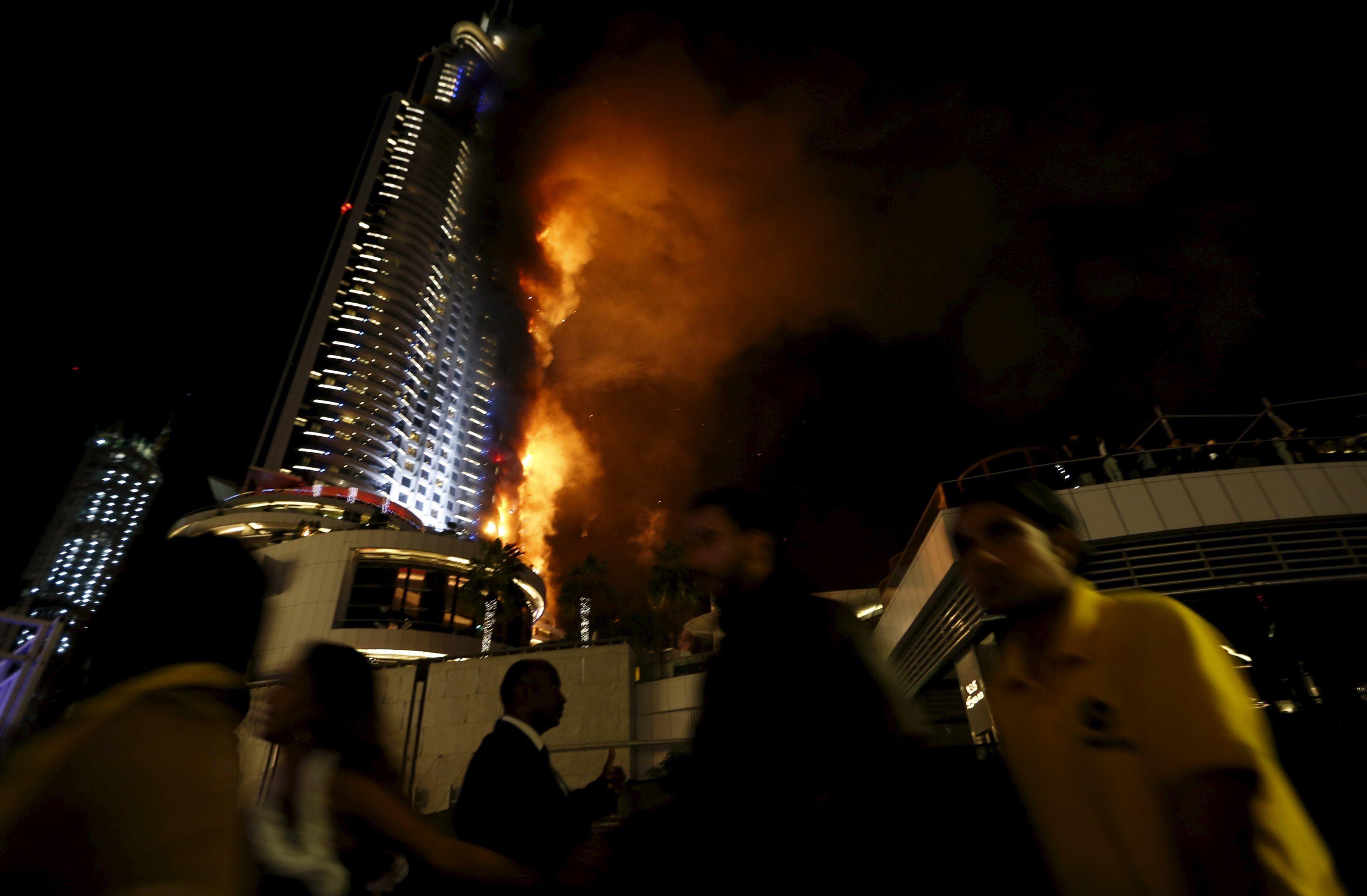 кулис отель в дубае сгорел фото менее, она