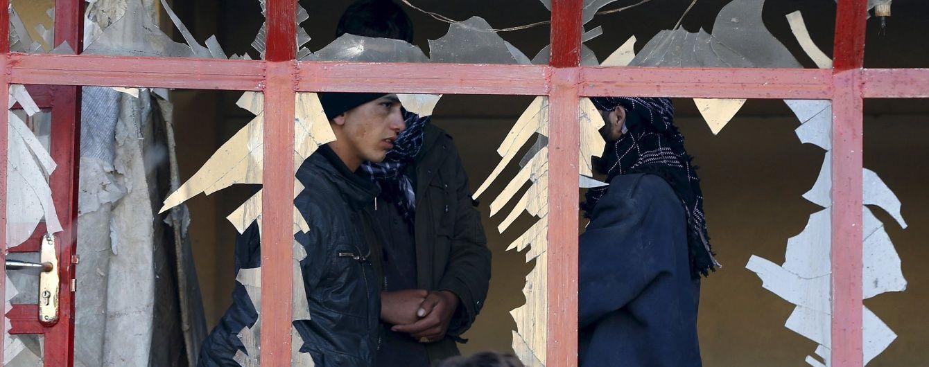 Терорист-смертник здійснив атаку поблизу головного аеропорту Афганістану