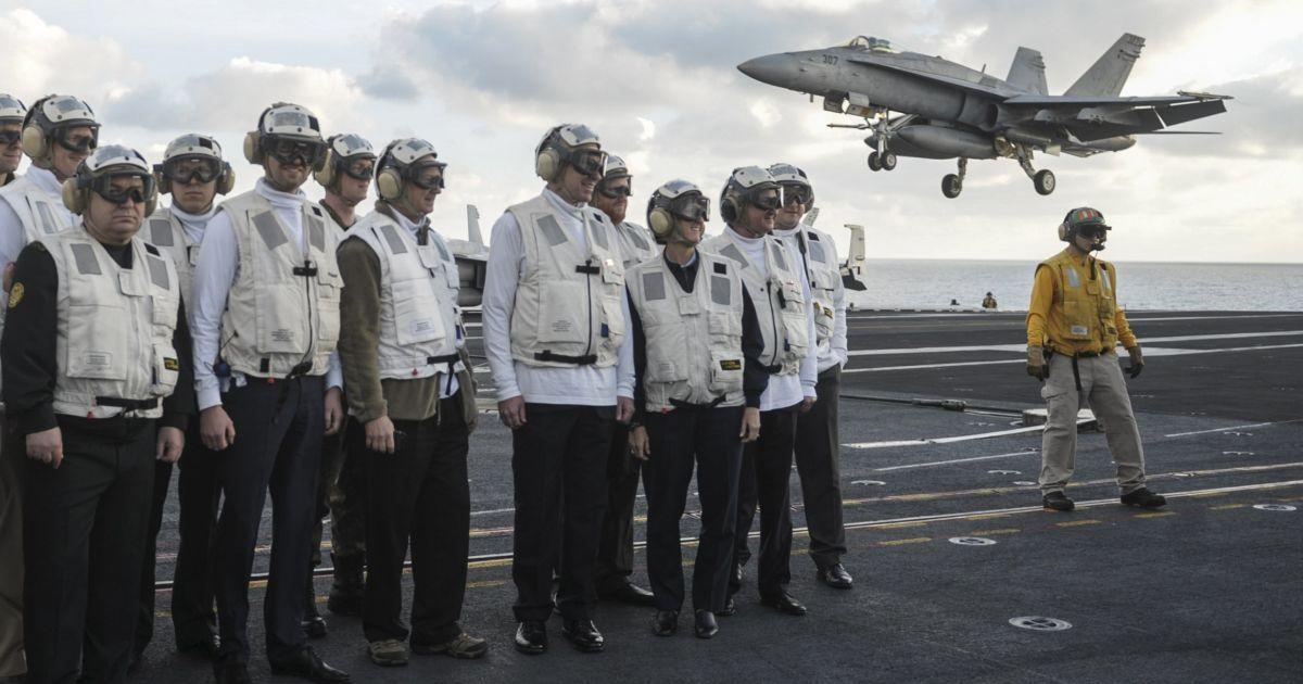 "Яценюк посетил авианосец ""Гарри Трумэн"" @ Reuters"