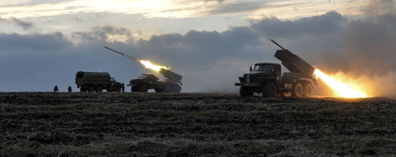 """ОБСЕ зафиксировала десятки танков и """"Градов"""" боевиков"""