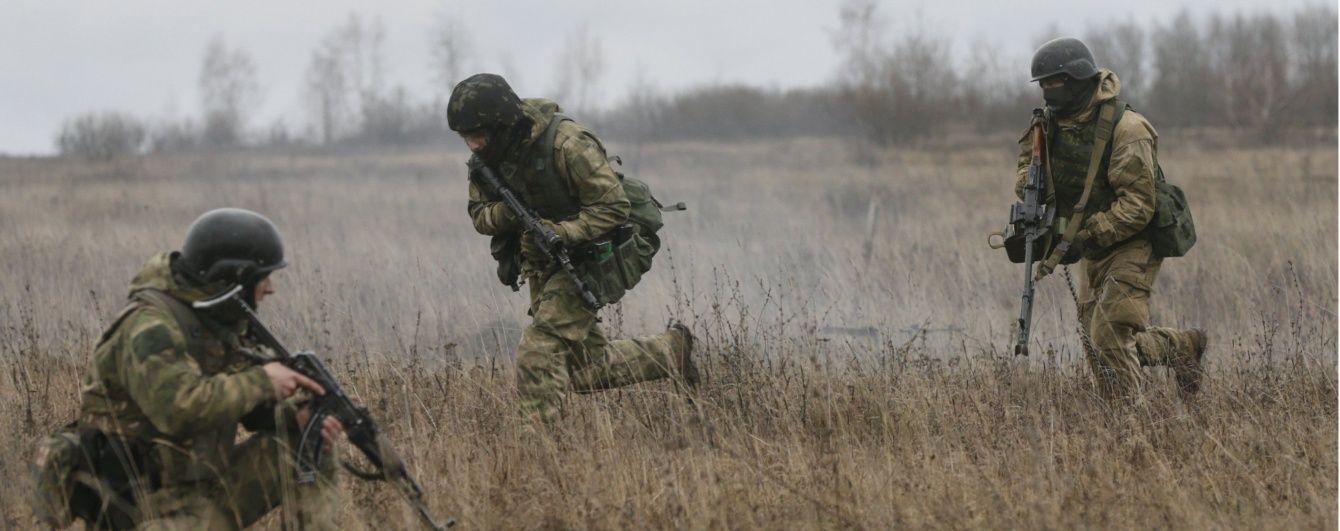 Двоє поранених військових та польоти ворожих безпілотників. Мапа АТО