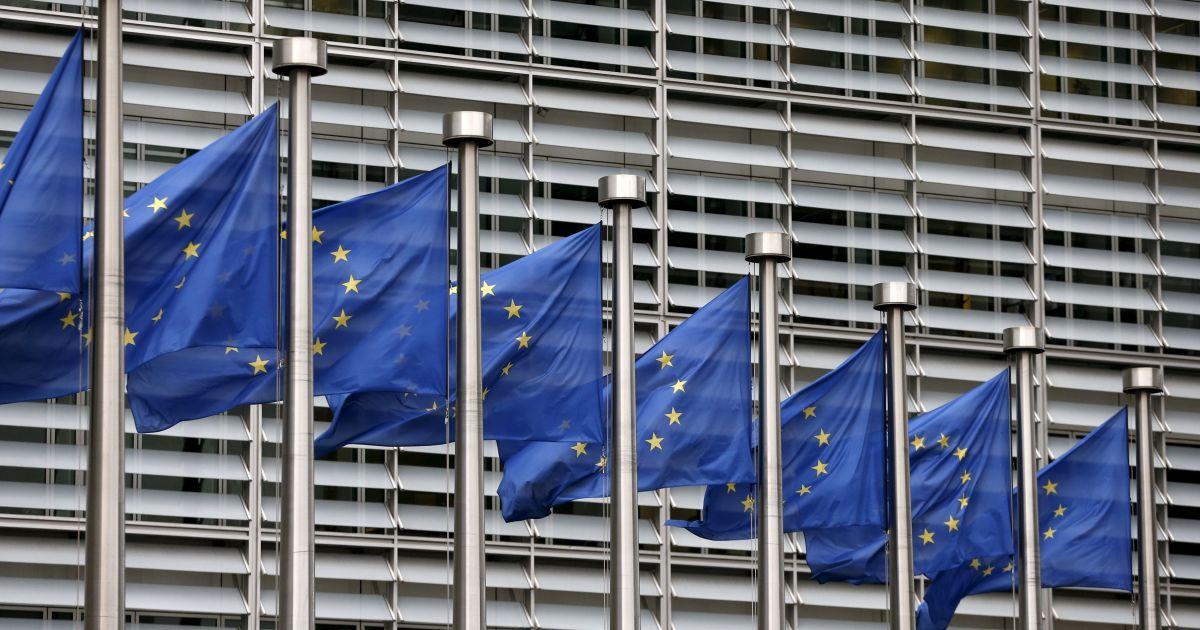 Хто найчастіше отримує громадянство ЄС. Інфографіка