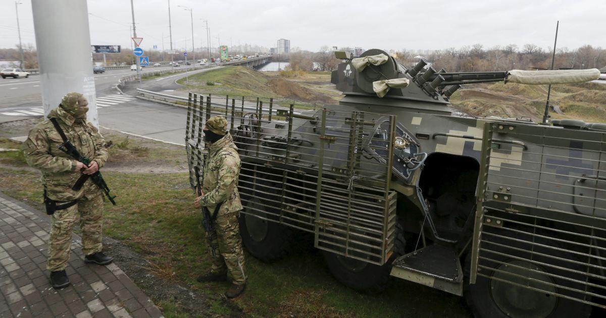 В Киеве усилили патрулирование улиц военными Нацгвардии. @ Reuters