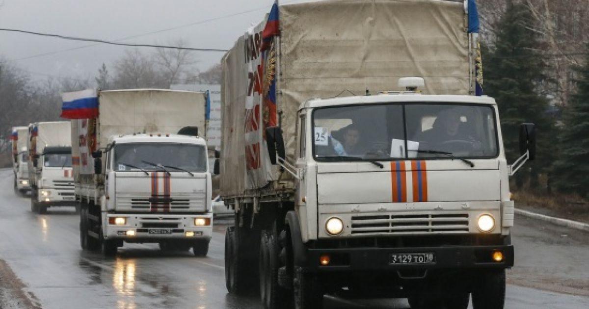 Из России на Донбасс и обратно в полтора раза увеличился поток грузовиков и поездов