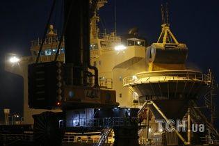 Активісти Greenpeace не пустили російський корабель у Фінляндію