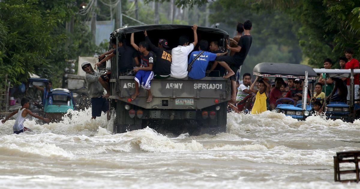 Тайфун Коппу обрушился на Филиппины. @ Reuters