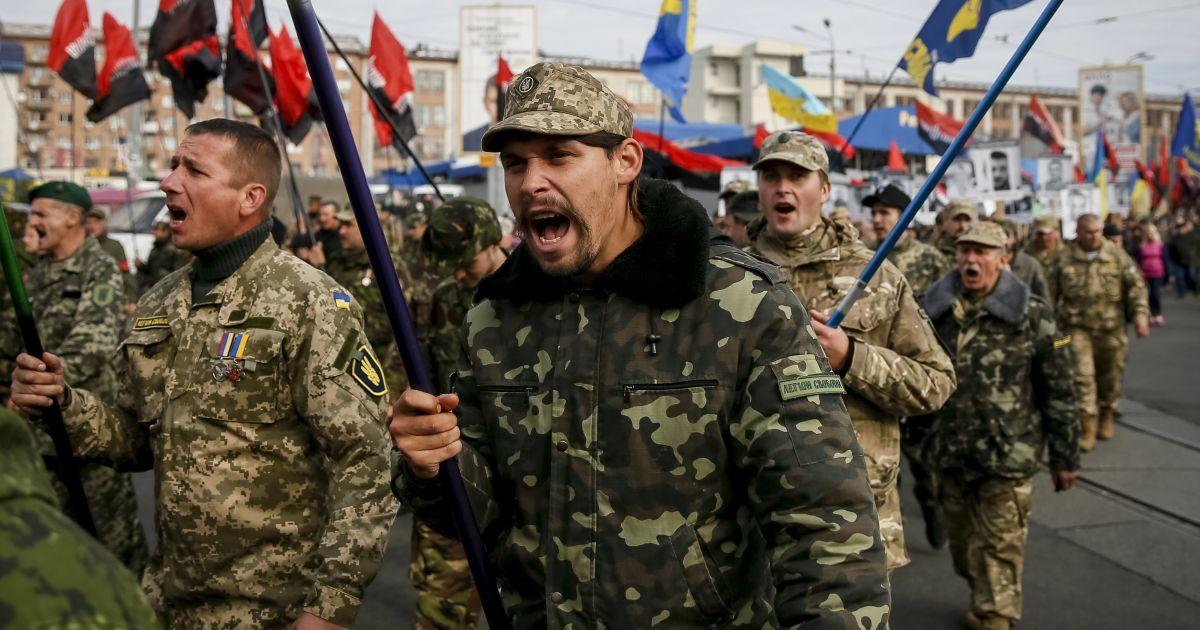"""""""Марш героев"""" собрал тысячи украинцев @ Reuters"""