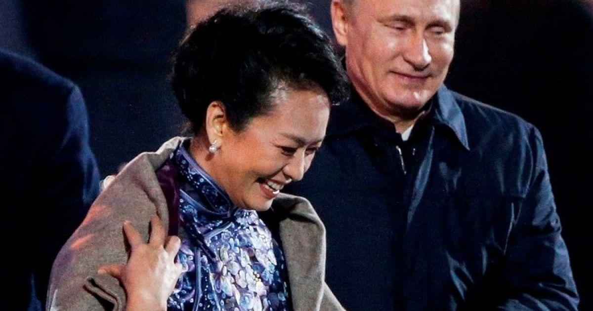 Топ конфузов Путина: флирт с женой лидера Китая и пошлые анекдоты