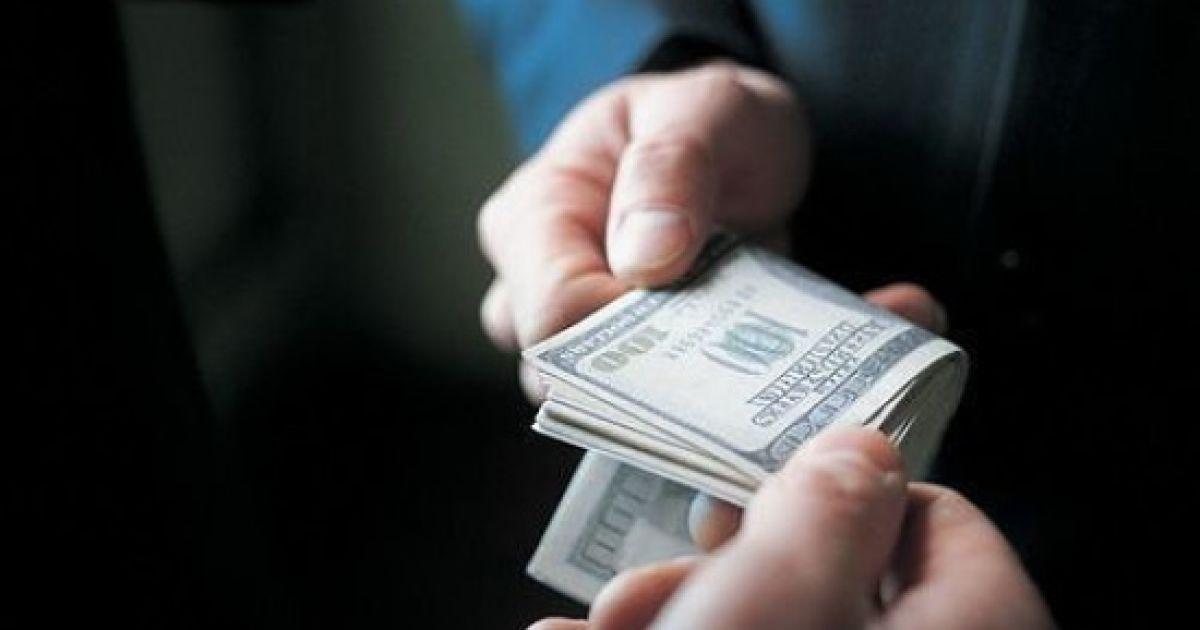 """The Economist назвав корупцію в Україні більшою загрозою, ніж """"русский мир"""""""