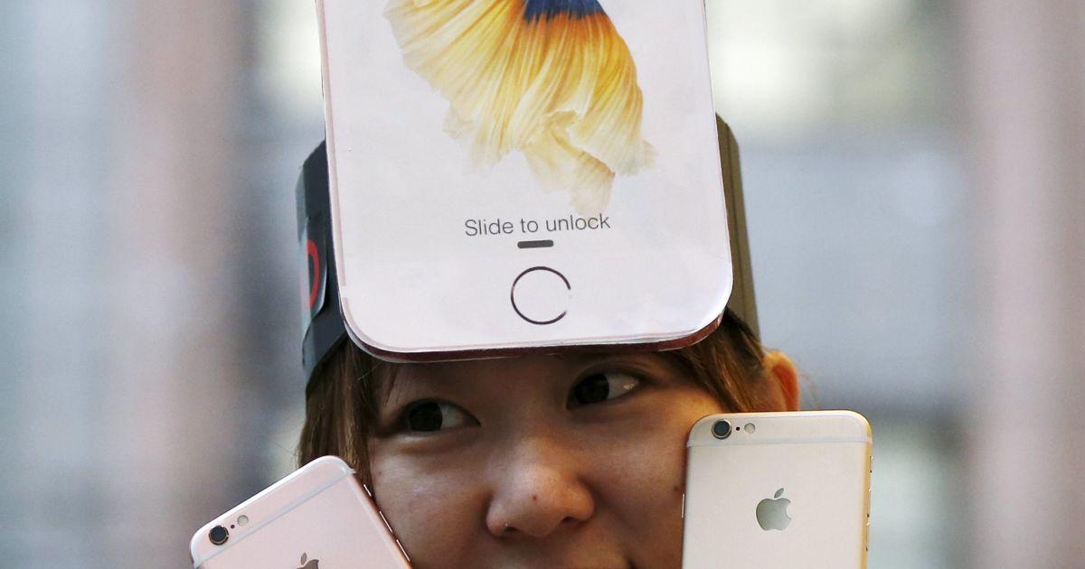 У світі стартували продажі iPhone 6S та 6S Plus. @ Reuters