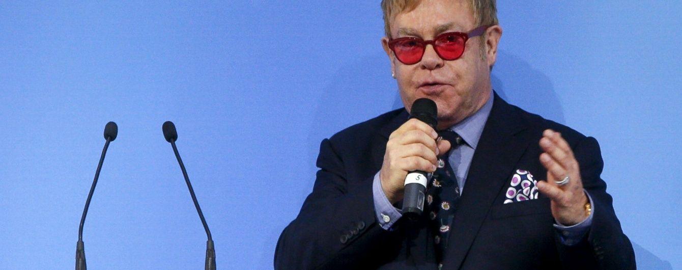 В Кремле заявили, что Путин не разговаривал с Элтоном Джоном о геях
