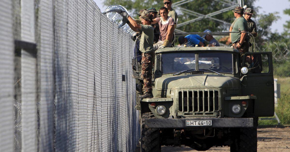 На трассе из Венгрии в Австрию образовалась огромная пробка