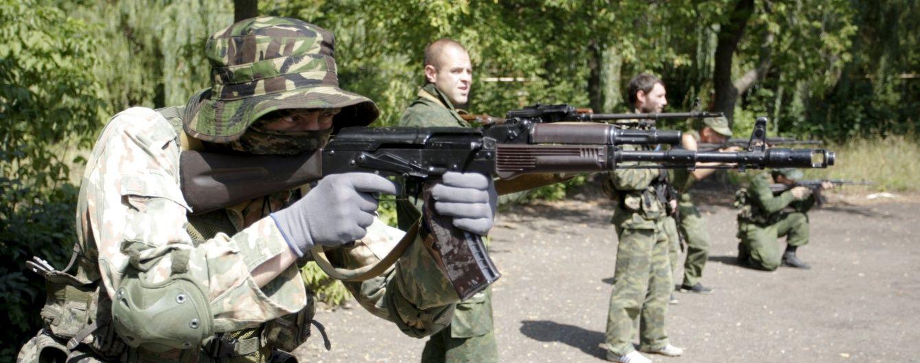 Понад 60 ворожих обстрілів та вогонь артилерії. В штабі АТО відзвітували про ситуацію на Донбасі