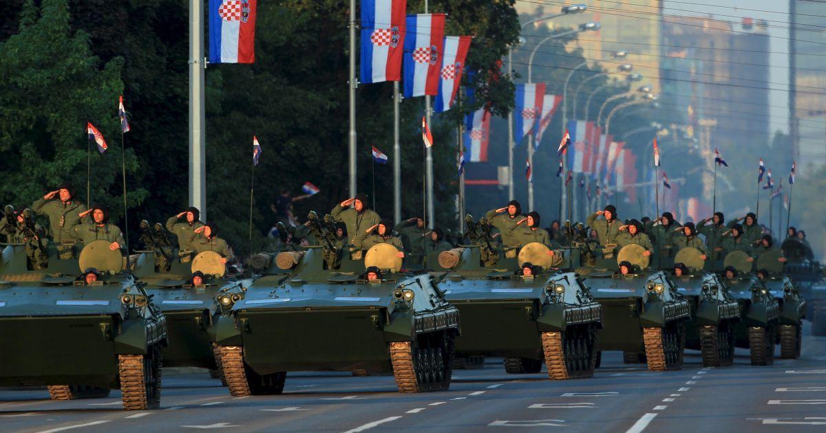 В параде приняли участие 3 тысячи военных и 300 единиц техники. @ Reuters