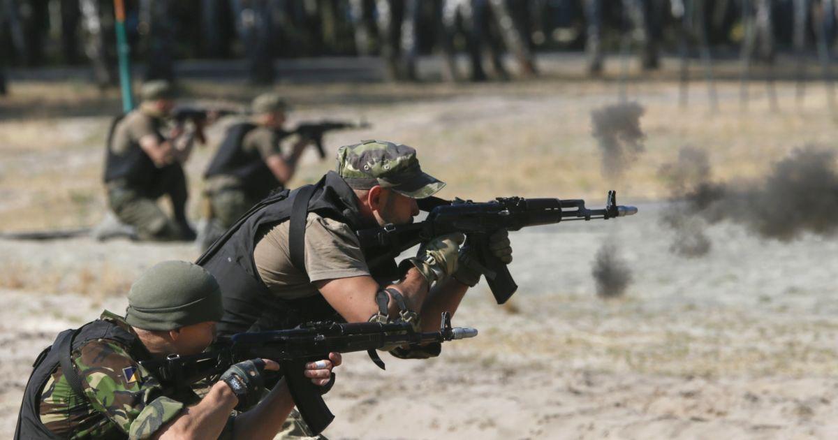 В АП рассказали о раненых за сутки бойцах АТО и обстрелах боевиков