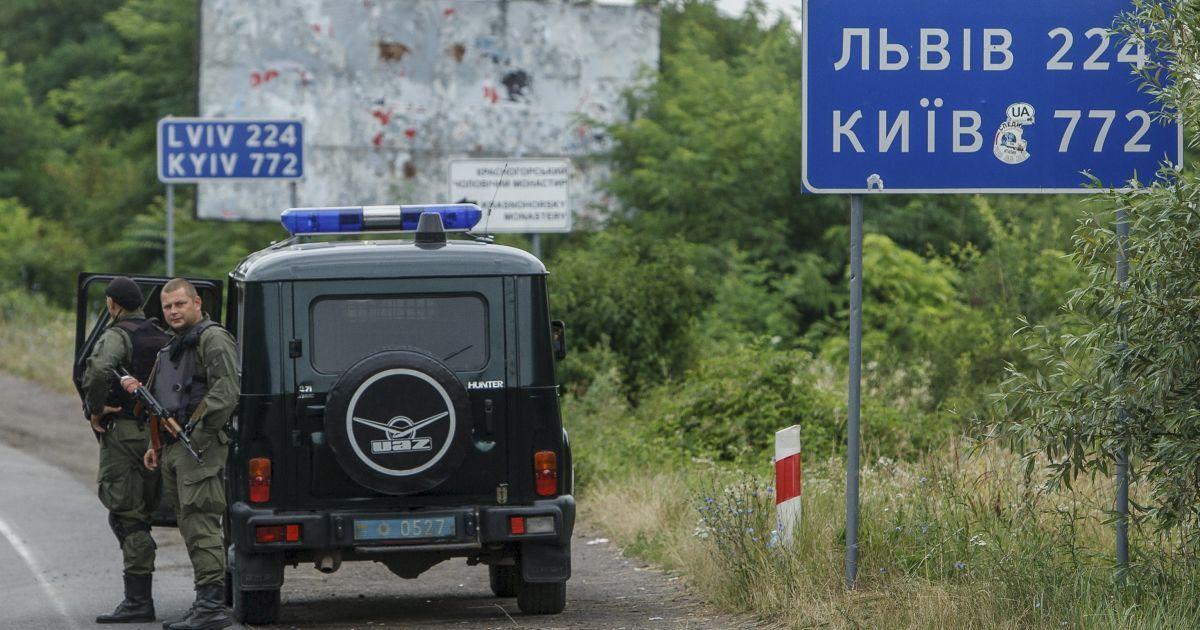 Закарпатские контрабандисты угрожают пограничникам - неизвестные избили милиционера