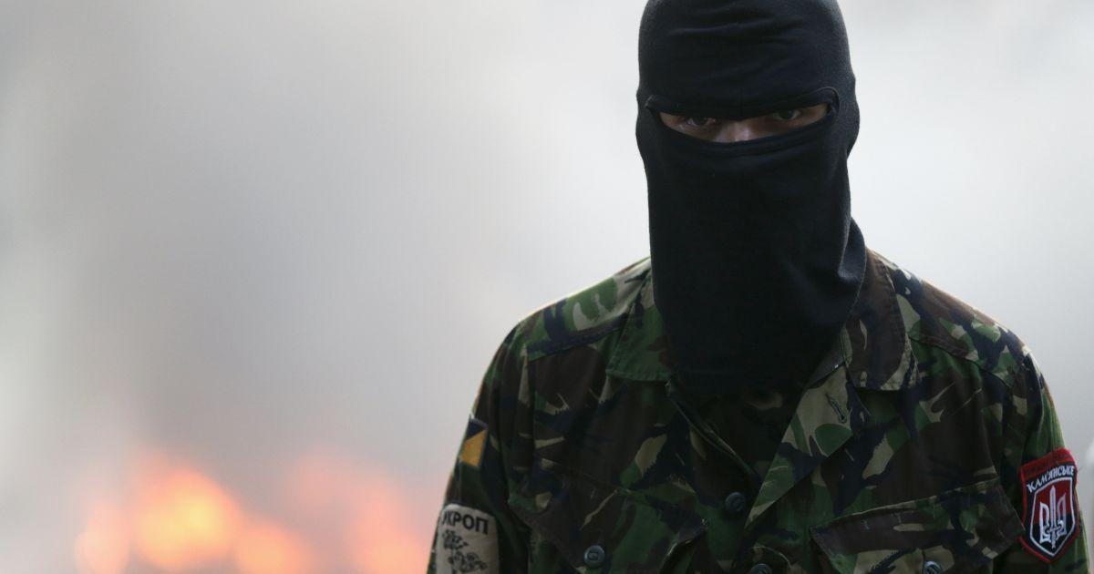 """В ОБСЕ утверждают, что """"Правый сектор"""" на Донбассе не выполняет приказы ВСУ"""