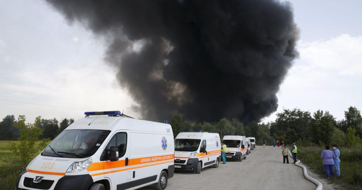 Названа возможная причина пожара на нефтебазе под Васильковом