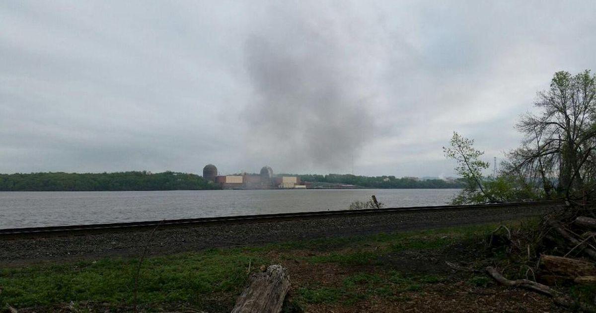 Дим з аварійної АЕС було видно за багато кілометрів @ Reuters