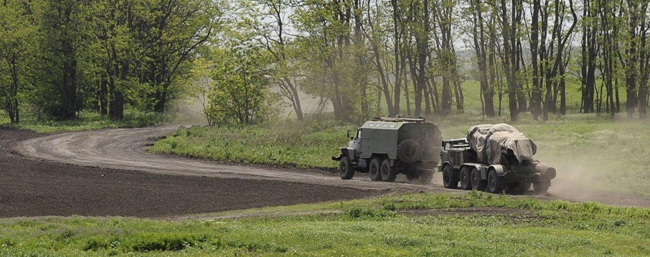 На Донбассе миссия ОБСЕ заметила колонну грузовиков с зенитной установкой, которая ехала со стороны РФ