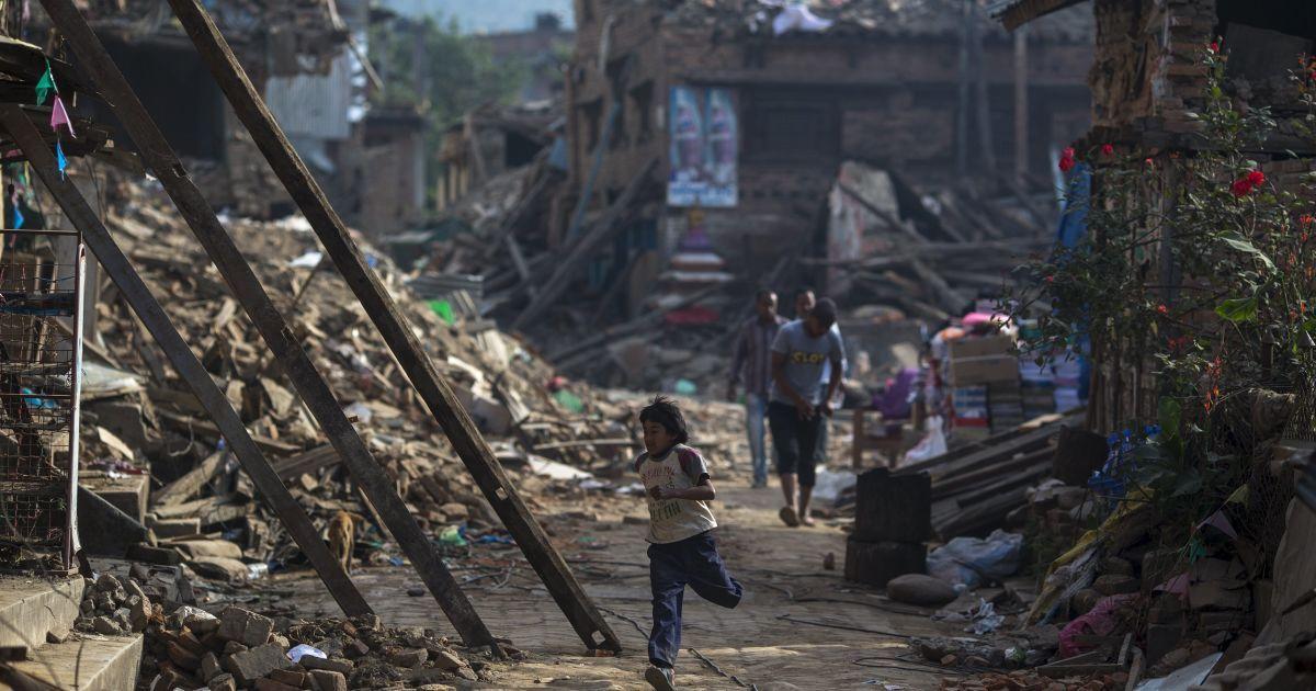 Мощное землетрясение в 7,7 балла сотрясло Пакистан, Индию и Афганистан