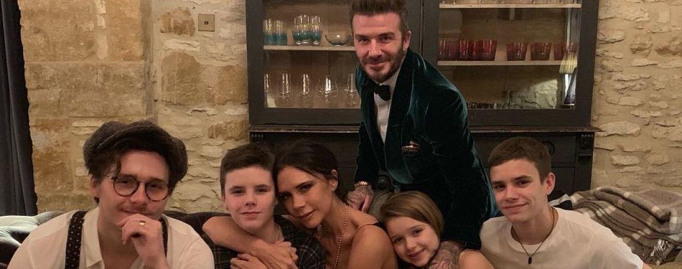 Девід та Вікторія Бекхеми замилували домашнім сімейним знімком з дітьми