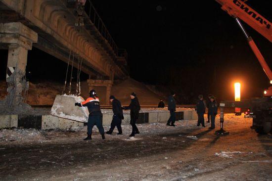 В окупованому Донецьку підірвали залізничний міст
