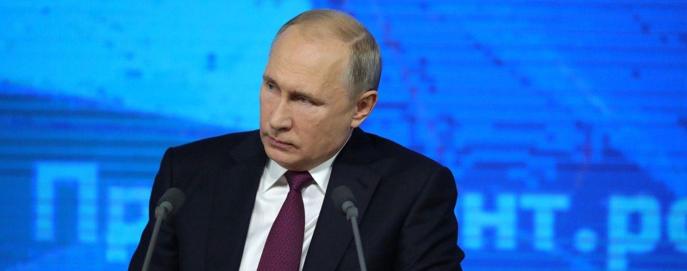 У Кремлі повідомили, коли і з чим Путін вітатиме Зеленського