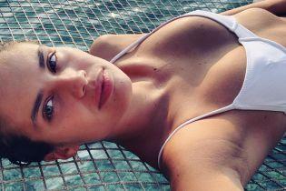В бикини и объятиях возлюбленного: Сара Сампайо поделилась снимками с отдыха