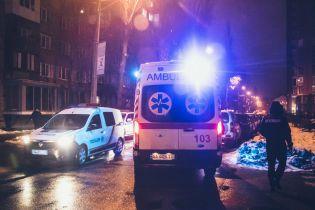 У центрі Києва невідомий із великим собакою ударом у голову вбив співробітникаУДО