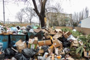 Росіяни припинили вивозити сміття з окупованої Керчі