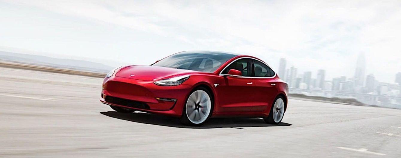 Багажник Tesla Model 3 слабо защищен от дождя. Видео