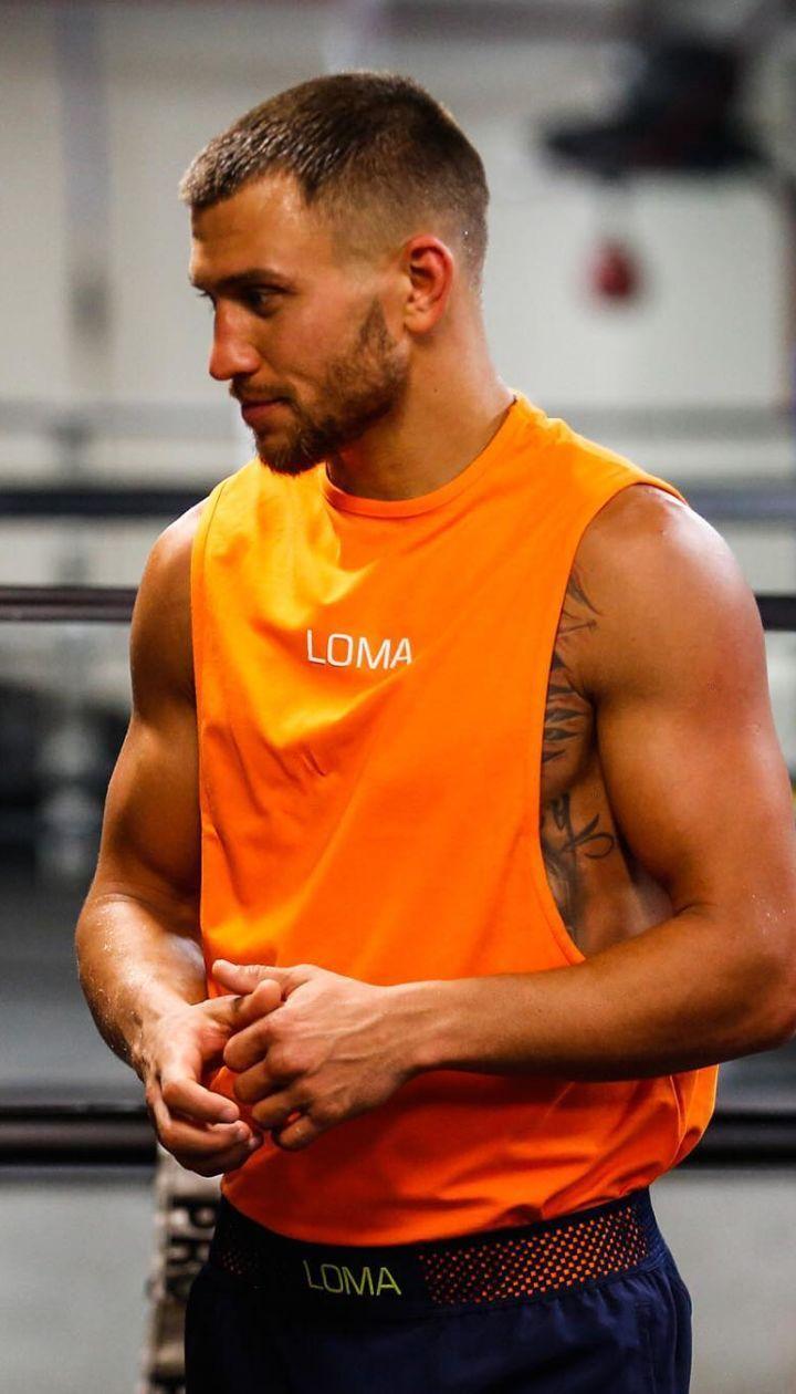 Мексиканський чемпіон світу назвав боксера, який може нокаутувати Ломаченка