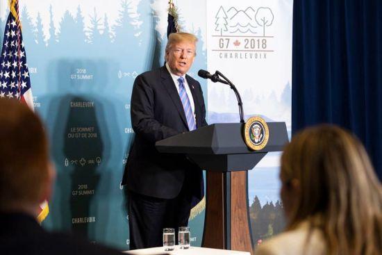 ФБР розслідує звільнення Трампом свого керівника – американські ЗМІ